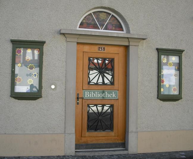 Eingang Gemeindebibliothek